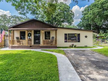 1707 W WILDWOOD COURT, Tampa, FL, 33604,