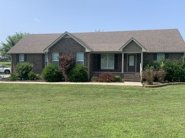 1007 Robert Elder Ct, Cedar Hill, TN, 37032,