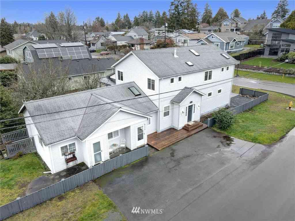 4104 SW 102nd Street, Seattle, WA, 98146,