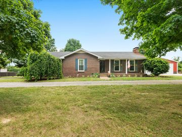6379 Williams Rd, Cross Plains, TN, 37049,