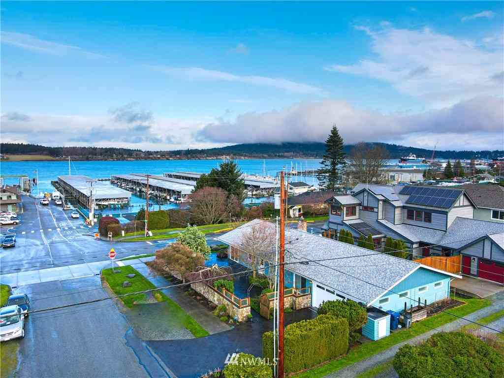 1619 6th Street, Anacortes, WA, 98221,