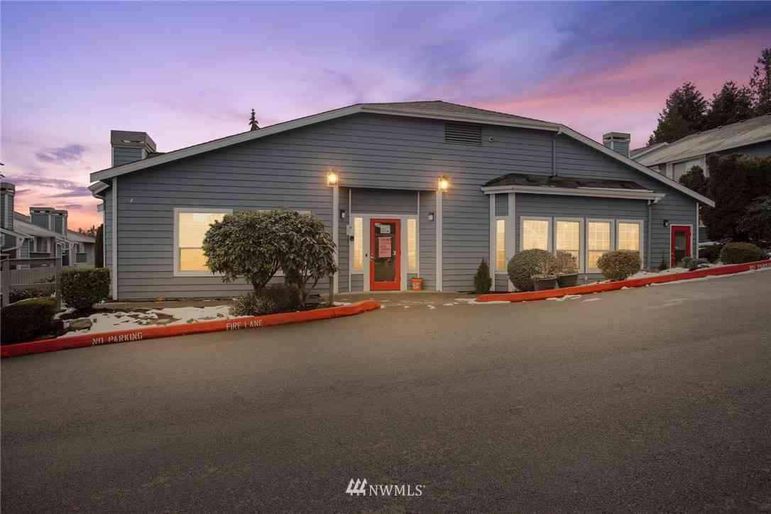 16817 Larch Way #F104, Lynnwood, WA, 98037,