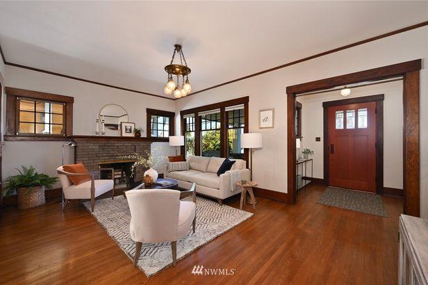 1707 Warren Avenue N