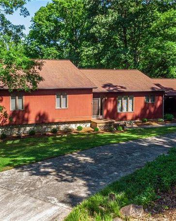 6948 Shade Tree Lane Sherrills Ford, NC, 28673
