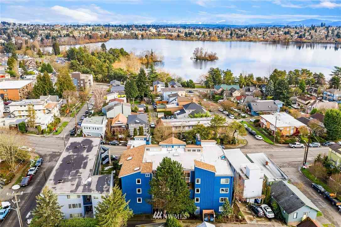 7111 Linden Avenue N #303, Seattle, WA, 98103,