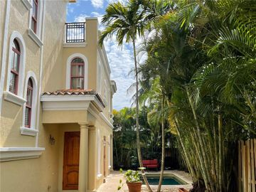 1734 NE 7 STREET, Fort Lauderdale, FL, 33304,
