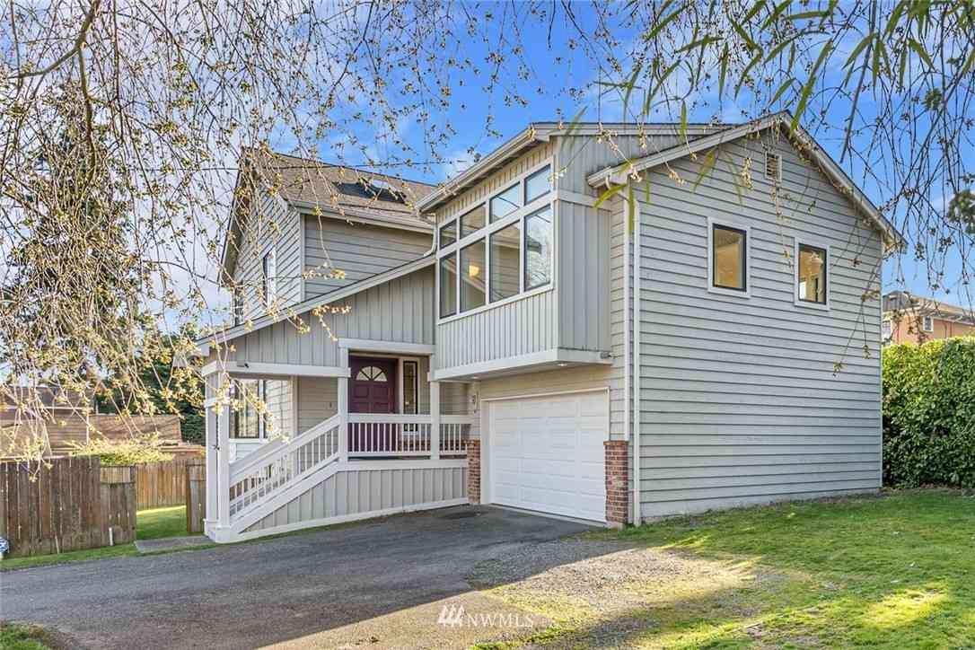 4829 37th Avenue NE, Seattle, WA, 98105,