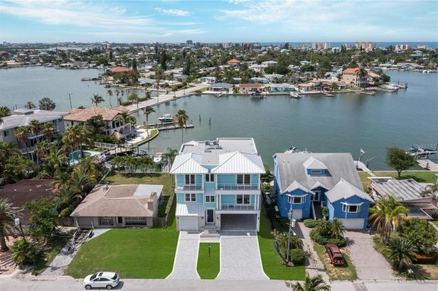 843 BAY POINT DRIVE
