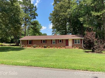 8028 Harriett Avenue, Charlotte, NC, 28216,