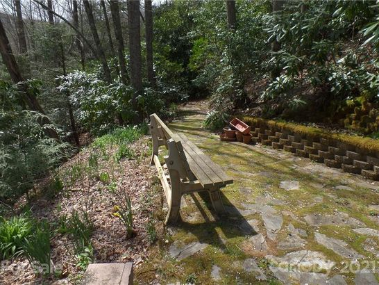 877 Chestnut Mountain Road