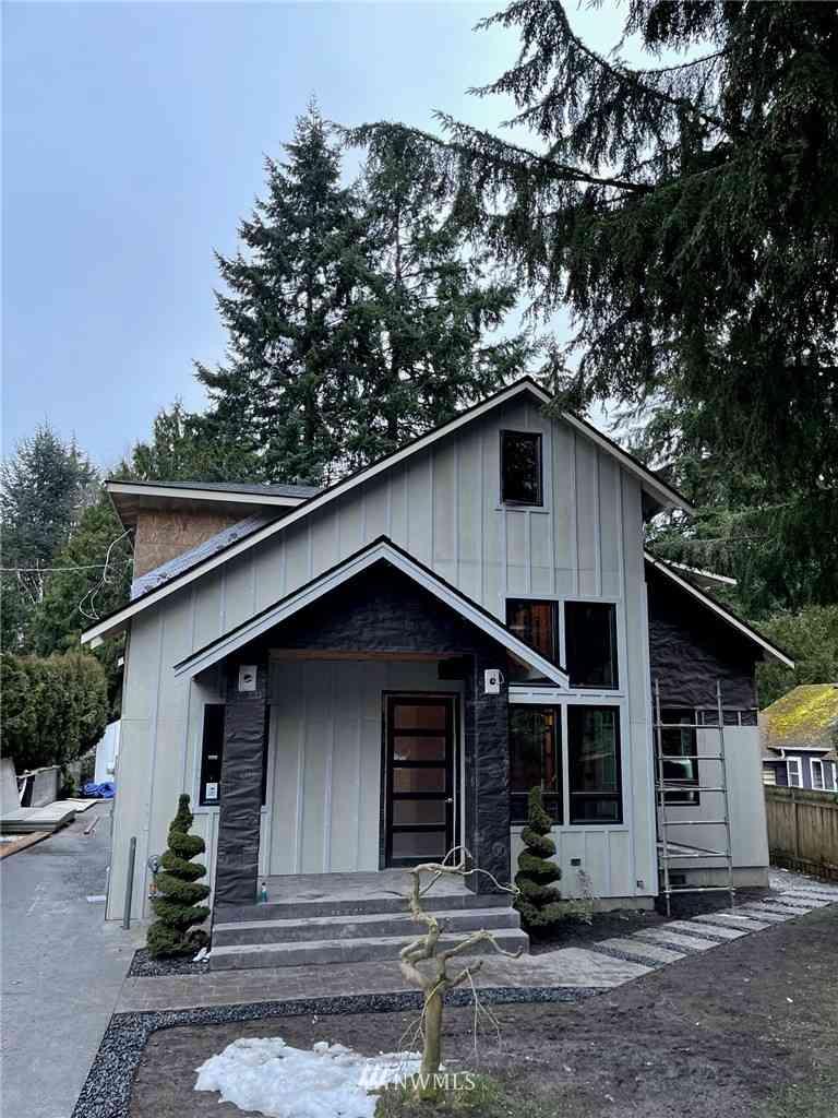 14034 Palatine Avenue N, Seattle, WA, 98133,