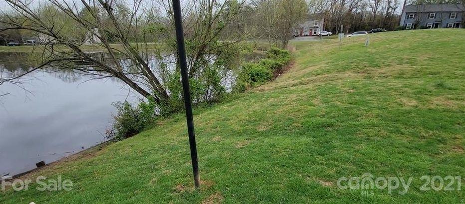1725 Village Lake Drive