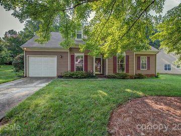 601 Oakbluff Circle, Charlotte, NC, 28216,