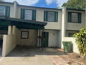 5116 TENNIS COURT CIRCLE, Tampa, FL, 33617,