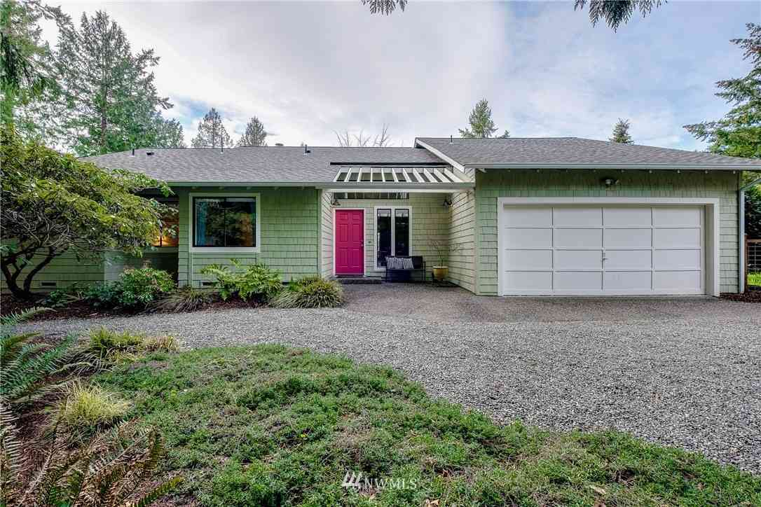 6585 NE Honeysuckle Lane, Bainbridge Island, WA, 98110,