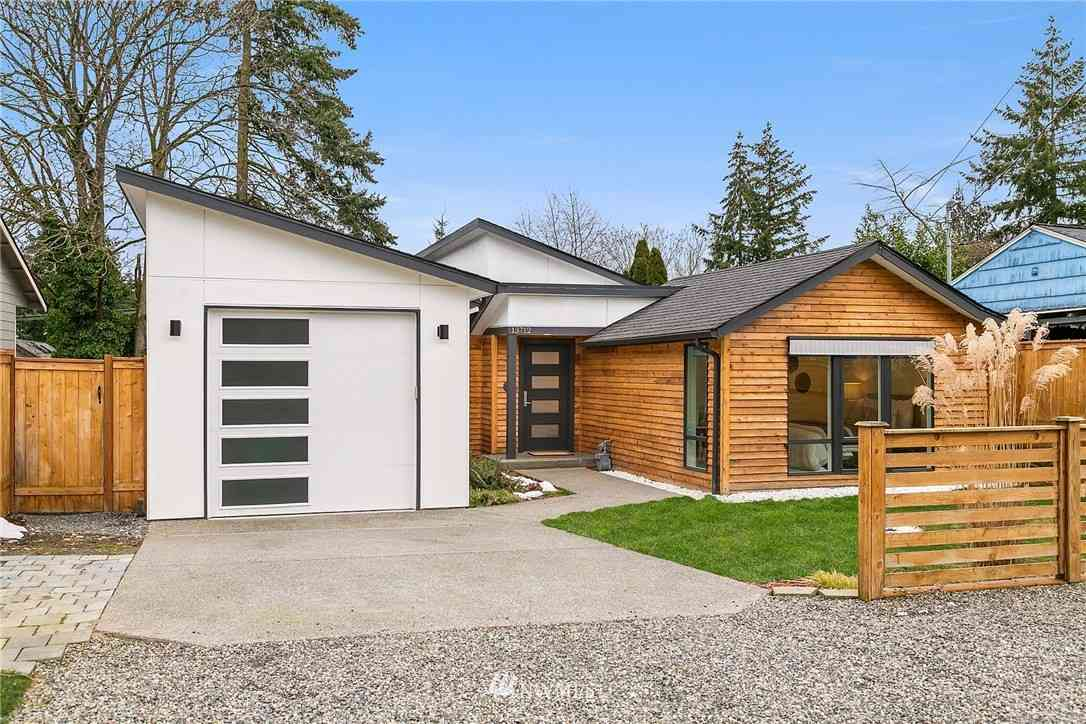 13712 Palatine Avenue N, Seattle, WA, 98133,