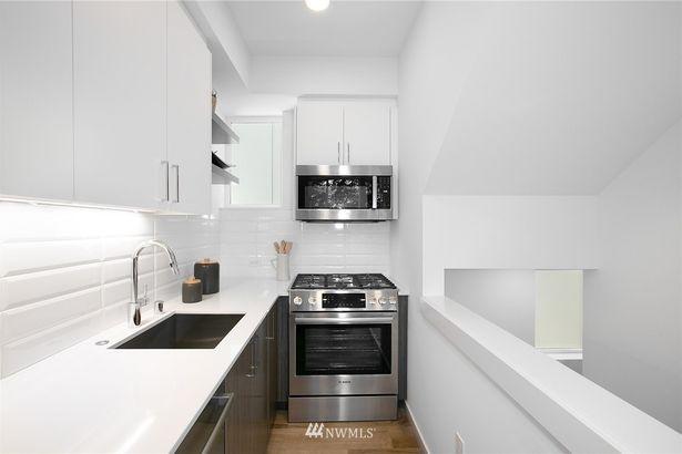 3803 23rd Avenue W