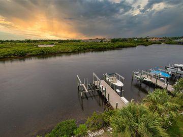 1152 FLYING FISH LANE, Tarpon Springs, FL, 34689,