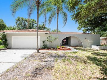 2677 CLUBHOUSE DRIVE N, Clearwater, FL, 33761,