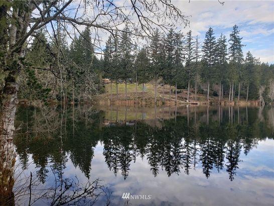 20 W Lake Ludvick
