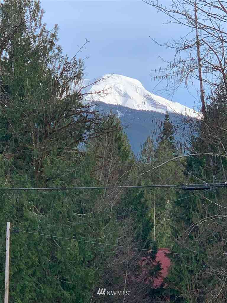 11093 Alpine Road, Deming, WA, 98244,