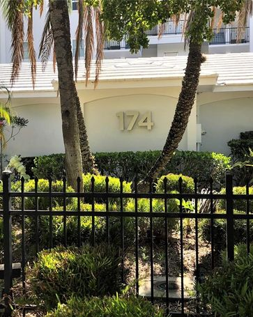 174 GOLDEN GATE POINT #31 Sarasota, FL, 34236