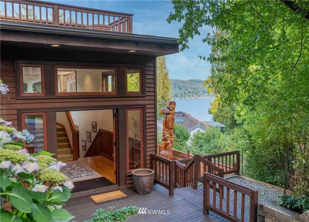 11757 Lakeside Avenue NE, Seattle, WA, 98125,