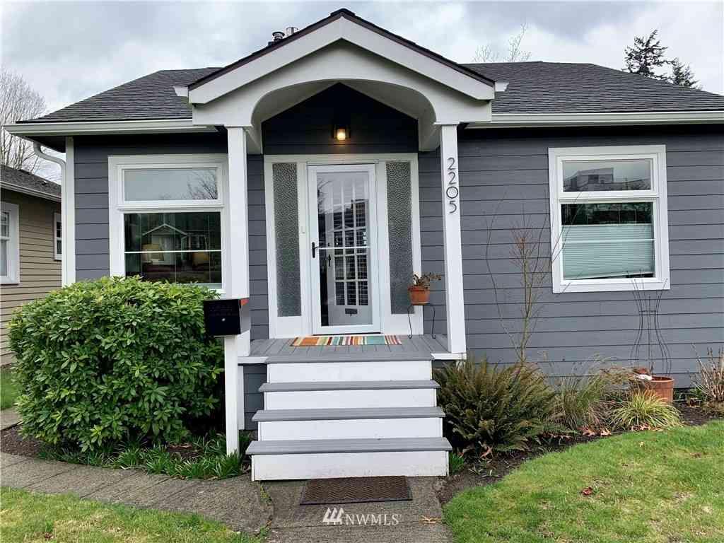 2205 44th Avenue SW, Seattle, WA, 98116,