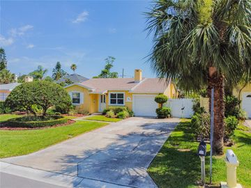 102 4TH STREET, Belleair Beach, FL, 33786,