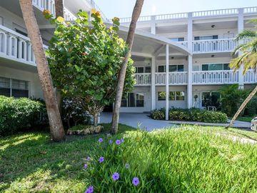 2021 AUSTRALIA WAY W #63, Clearwater, FL, 33763,
