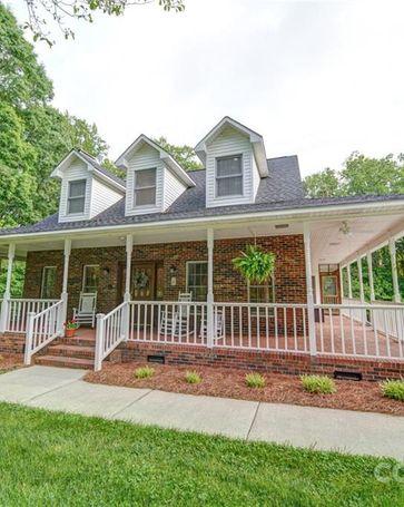 6924 Pleasant Oaks Circle Charlotte, NC, 28216
