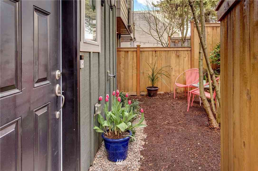 1122 N 92nd Street #C, Seattle, WA, 98103,