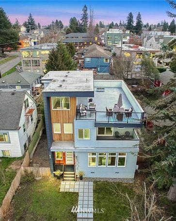 6008 44th Avenue SW Seattle, WA, 98136