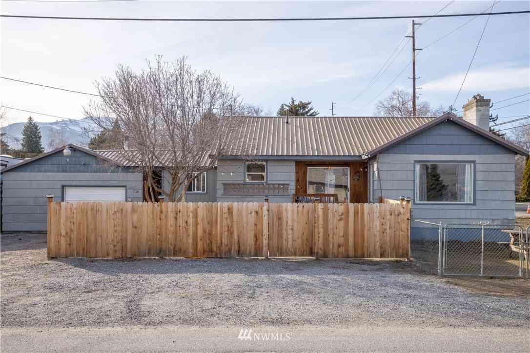 1724 Stella Avenue N, Wenatchee, WA, 98801,