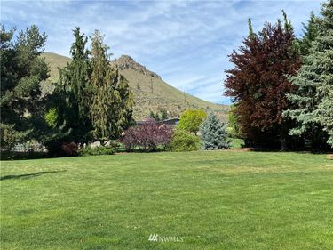 1216 Summer Hill Pl., Wenatchee, WA, 98801,