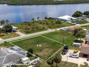 2945 PEACE RIVER DRIVE, Punta Gorda, FL, 33983,