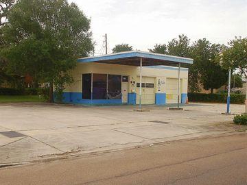 501 S PINELLAS AVENUE, Tarpon Springs, FL, 34689,