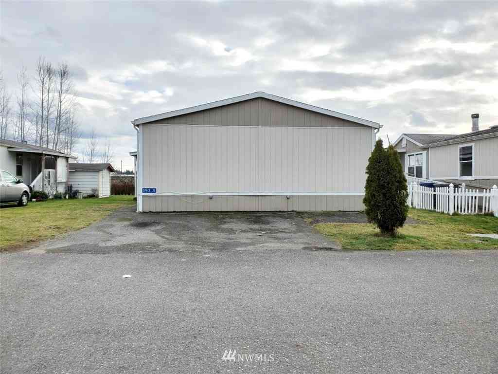19920 67th Avenue NE #35, Marysville, WA, 98271,