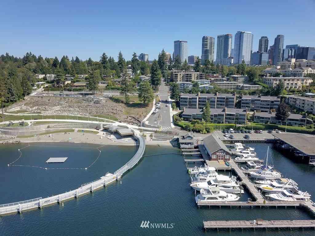 9927 Lake Washington Blvd NE #102B, Bellevue, WA, 98004,