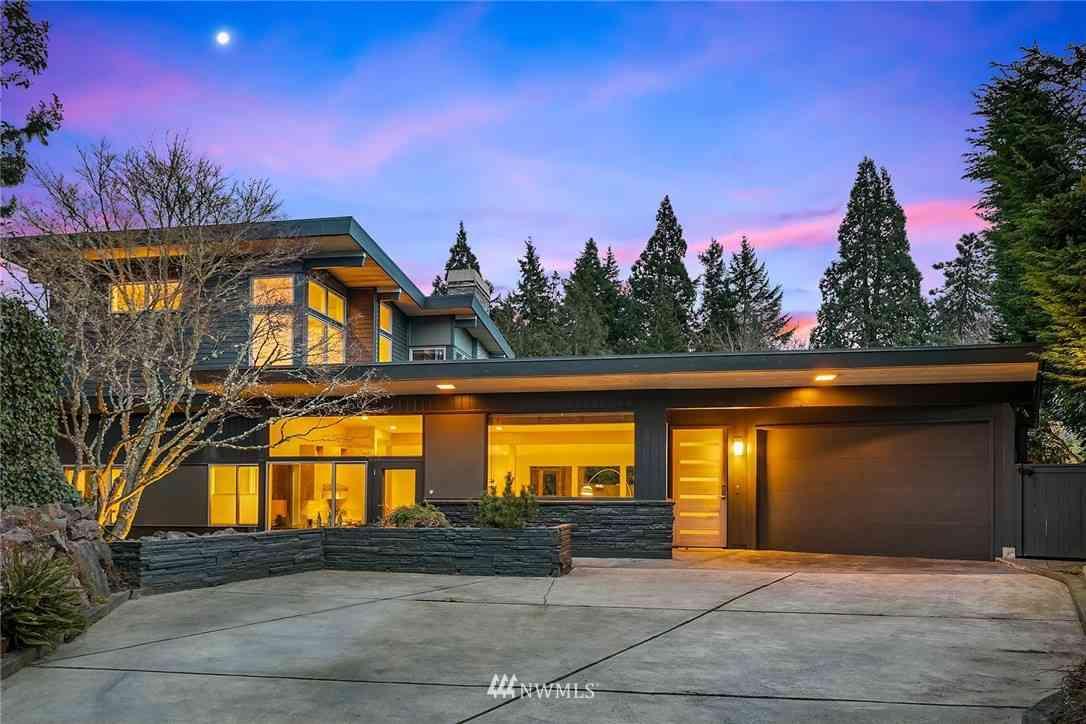 4721 W Roberts Way, Seattle, WA, 98199,