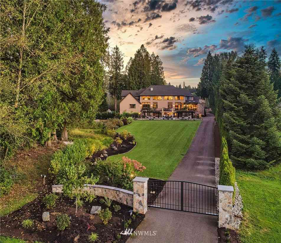 13636 202nd Avenue NE, Woodinville, WA, 98077,