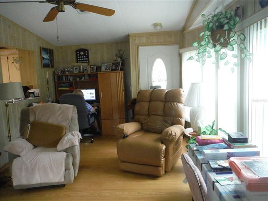 130 CLUBVIEW DRIVE #2