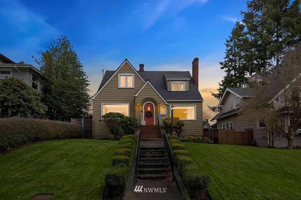 1321 Rucker Avenue, Everett, WA, 98201,