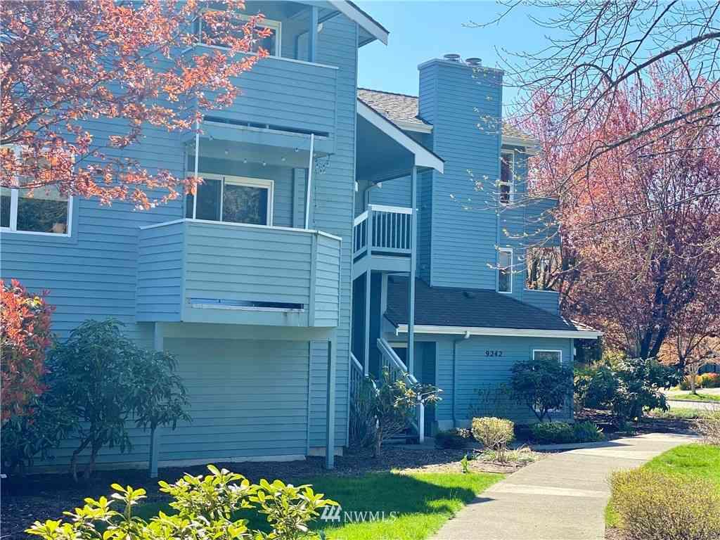 9242 Woodlawn Avenue N #A, Seattle, WA, 98103,