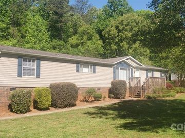 5120 Green Leaf Court, Mount Holly, NC, 28120,
