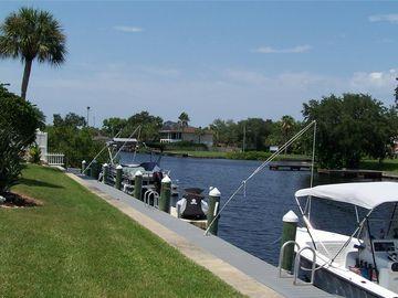 404 MOORINGS COVE DRIVE #7D, Tarpon Springs, FL, 34689,