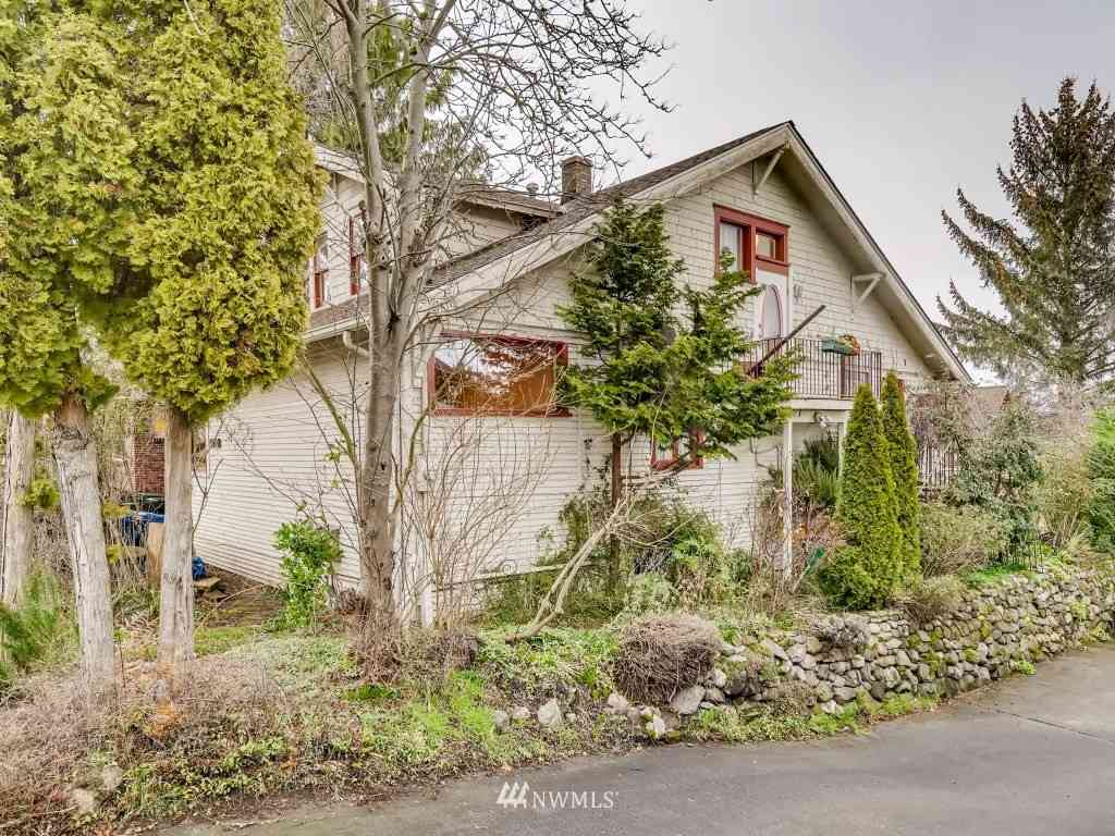 5910 Latona Avenue NE, Seattle, WA, 98105,