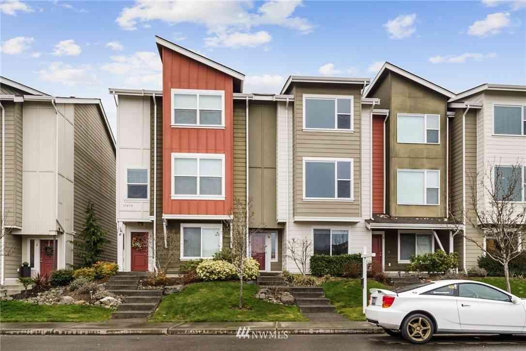 17410 118th Avenue Ct E #B, Puyallup, WA, 98374,