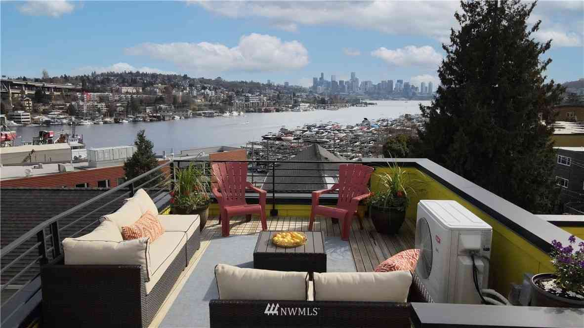 3920 1st Avenue NE #A, Seattle, WA, 98105,