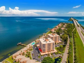 7430 SUNSHINE SKYWAY LANE S #201, St Petersburg, FL, 33711,
